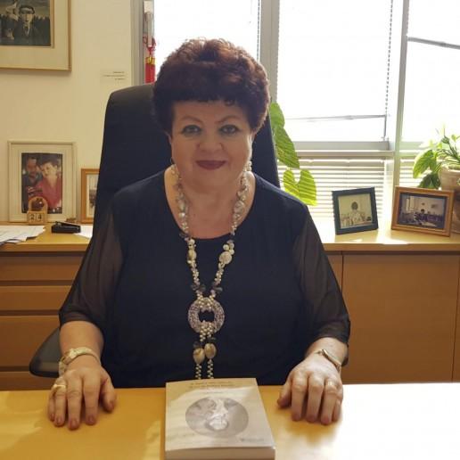 Portrait of Prof. Sarah Guri-Rosenblit